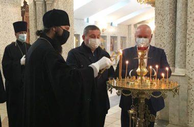 Митрополит Феодор встретился с губернатором Андреем Бочаровым в храме Сергия Радонежского