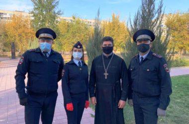 Волгоградская епархия вместе с полицейскими приняла участие в акции по посадке деревьев