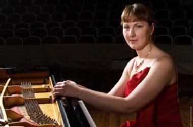 Для подписчиков группы волгоградского храма в соцсетях пройдет онлайн-концерт Анны Трушковой