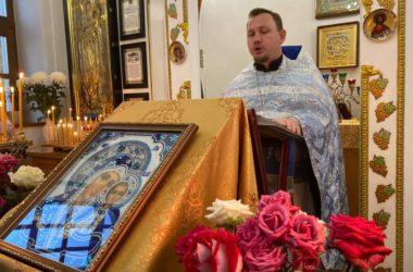 В волгоградских храмах отпраздновали любимый народом праздник Казанской иконы Божией Матери