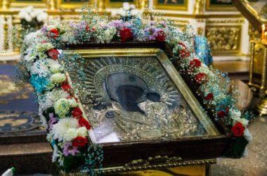 Евангелие дня: Литургия в праздник Казанской иконы Божией Матери