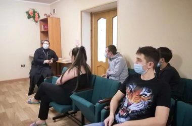 В Зацарицынском благочинии проводятся встречи с учащейся молодежью