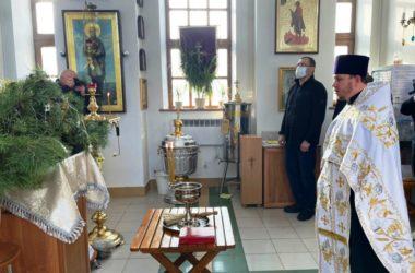 На приходах Волгограда прошли молебны к годовщине служения донских казаков государству Российскому