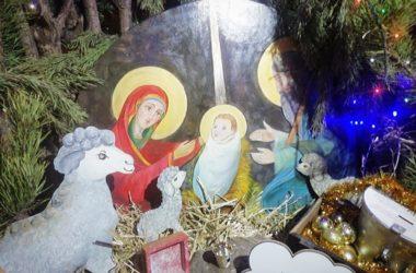 Радостью Рождества поделились в семейном центре «Красное Солнышко»