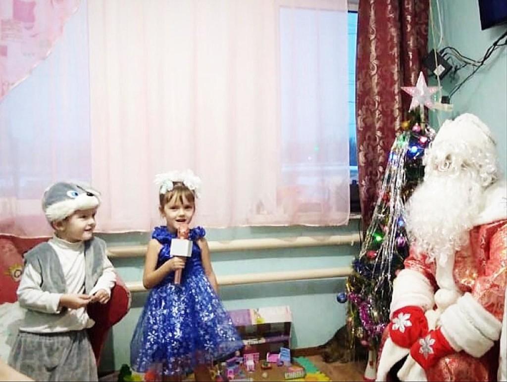 В Зацарицынском благочинии провели благотворительную акцию «Подарок под елку»