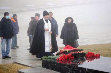 На Мамаевом кургане молитвенно почтили память Маршала Чуйкова
