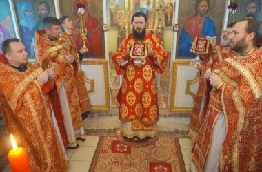 Престольный праздник храма мучеников Кира и Иоанна возглавил митрополит Феодор