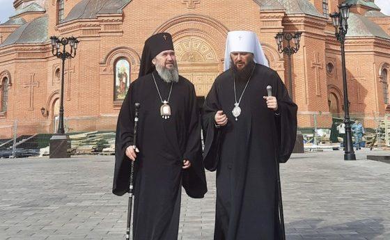 Митрополит Феодор и архиепископ Юстиниан посетили собор Александра Невского