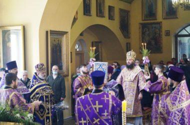 Архиерейское богослужение в храме Михаила Архангела Камышинского благочиния
