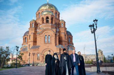 Схиархимандрит Илий (Ноздрин) посетил собор Александра Невского