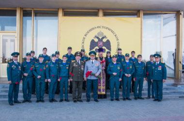 Волгоградский священник благословил новых сотрудников МЧС на несение службы