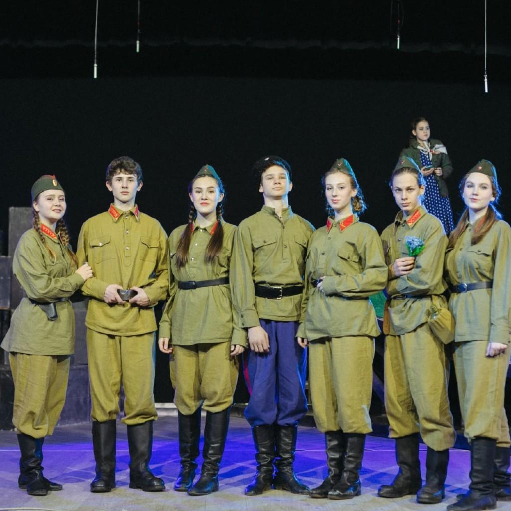 В Волгограде продолжается показ  спектакля  «Сталинград. Остаться человеком»