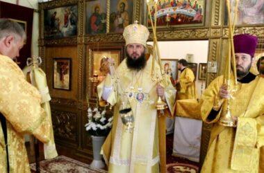 Митрополит Феодор совершил Литургию в храме святой княгини Ольги