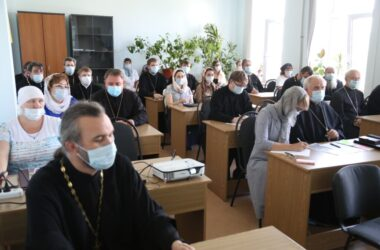 Ответственным за социальную работу в Волгоградской епархии рассказали о правилах оформления заявки на конкурс грантовой поддержки